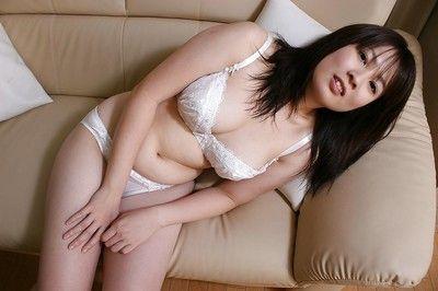 Asiatico Babe momo Akiyama l