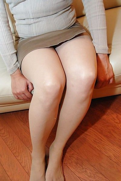 Asian lady in pantyhose Fumie Inada gets naked and has some pussy vibing fun