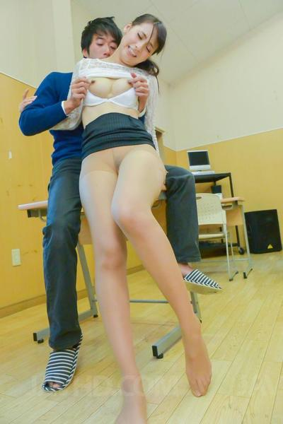 Dirty young student Yui Oba gets her shaved slit rammed hardcore in the classroom