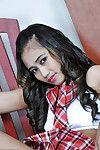 молодой милашка Акира Мигает ее Едва юридические и Волосатые Азии киска