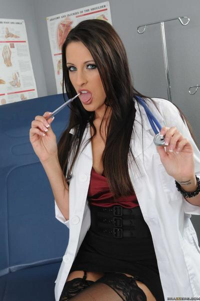 Nice-looking big titted lady doctor Kortney Kane takes patient\
