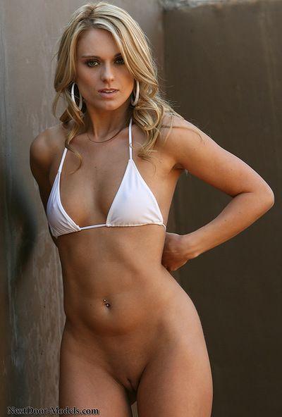 Dirty model Nicole Jaimes enjoying pure pleasure while undulating her pussy