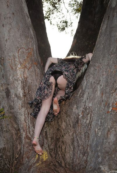 Bodily blond loves posing and flashing her strings in outdoor solo activity