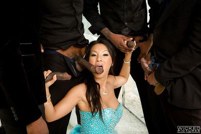 Passionate Japanese slut Asa Akira getting blowbanged by black ramrods