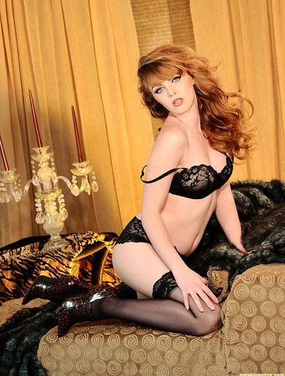 Stunning redhead in hot underware amazes with her brilliant solo session