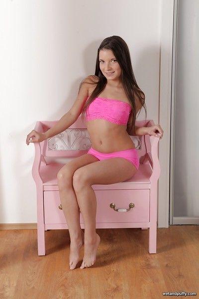 Italian solo model Anita Berlusconi toying teen anus with anal toy
