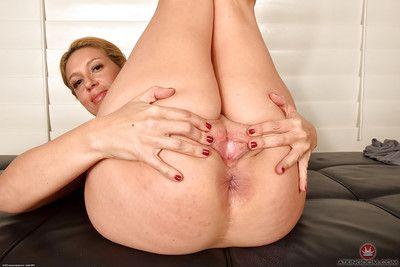 Grown Latin hottie girl Stevie Lix bares miniscule tits sooner than swelling skinhead slit