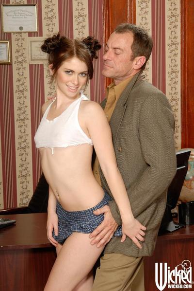 Teen looking bombita with miniature whoppers Ashlyn Rae acquires pounded by the established dude