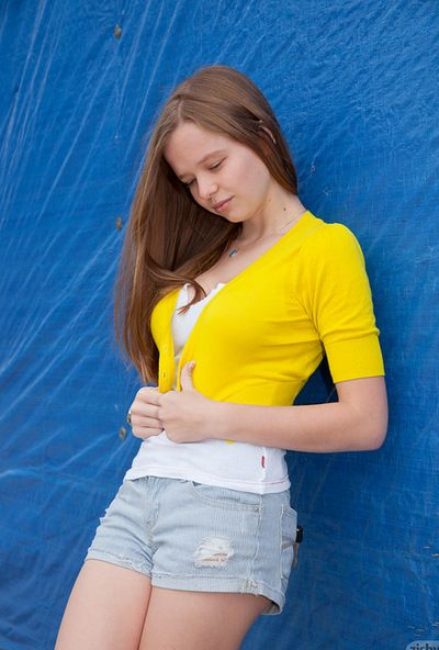 Young angel looks amazing in her public solo posing scene