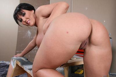 Claire Dames with big round ass and heavy tits has sex with big dicked worker