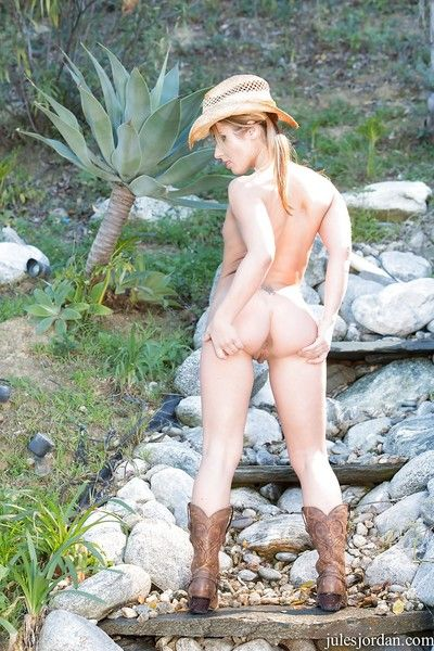 Blond floozy Sheena Shaw posing naked outdoors, orally fixating hairy sacks and riding BBC