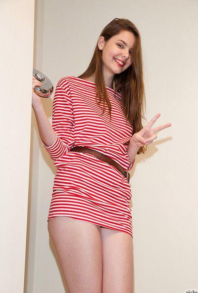 Lindsay Bare