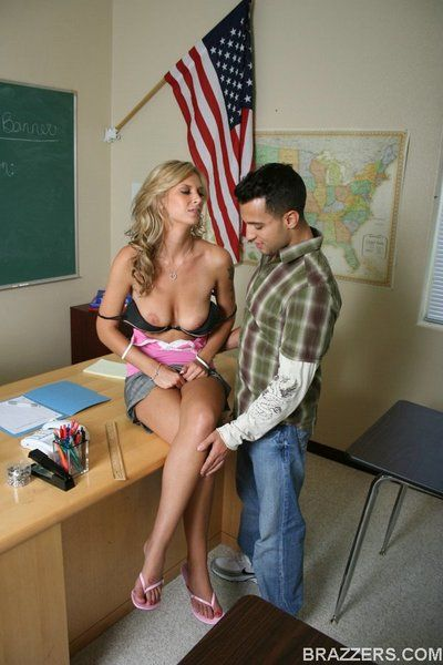 Irresistibly sexy leggy chick Brooke Banner in pink top gets bangs by horny student