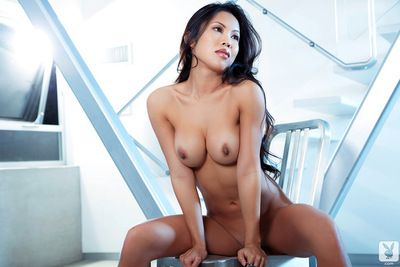 Staggering brunette asian amazes with her sensual lingerie solo scene