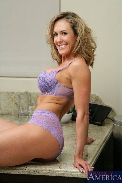Slender busty milf Brandi Love shows her muscled slim belly and gets fucked in the bath