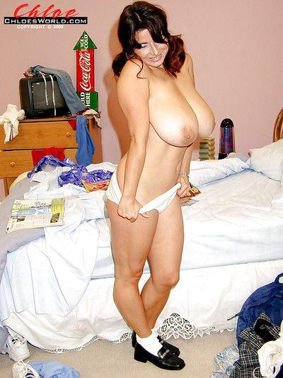 काले बाल वाली plumper च्लोए Vevrier मुक्त बड़ी बड़े स्तन से छात्रा वर्दी