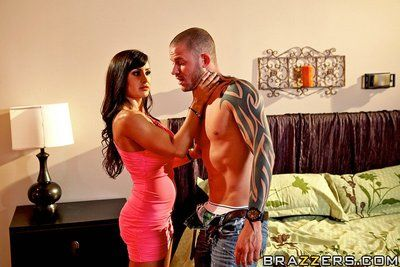 Beautiful big titted milf Lisa Ann takes off her pink dress and gets fucked