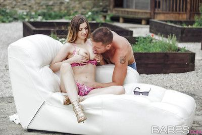 Busty Euro chick taking cumshot on twat after outdoor bum fucking
