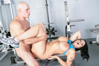 Instead of physical exercises the busty bimbo Carmella Bing enjoys hard fuck in the gym