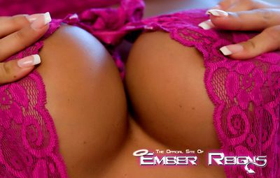 Kinky blonde Ember Reigns likes to tease with her sensual forms