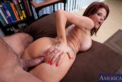 Milf with big boobs Joslyn James swallowing fat dick and enjoying its hardness inside pussy