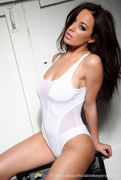 Steaming model Lindsey Strutt adores to expose her tits and sappy body in fashionabe lingerie