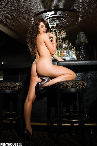 Luxury big titted brunette Taylor Vixen takes off her fur coat and red lingerie