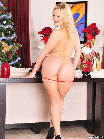 Flirtatious big ass blonde Alexis Texas with super sexy body strips out of red