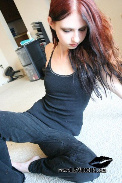 You have to see more from this redhead. Her name is Liz Vicious and she is gorgeous!