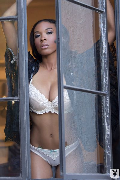 Stunning ebony with perfect tits loves to pose nude and play sensually