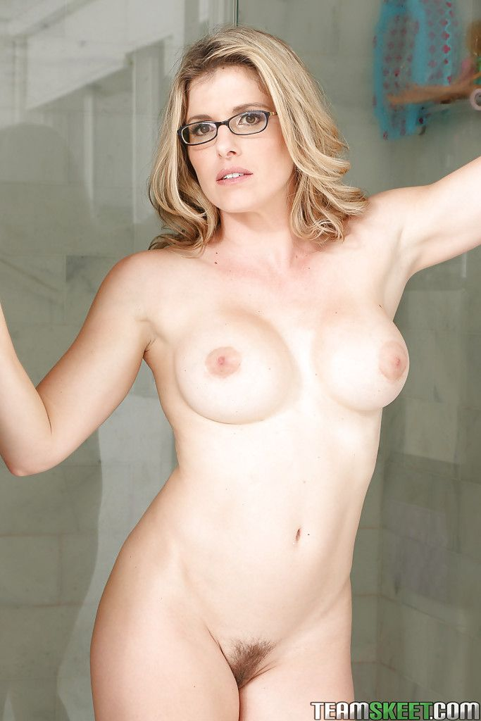 Milf Natural Pussy