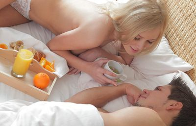 Breakfast in bed leads to early morning anal sex with a blonde beauty