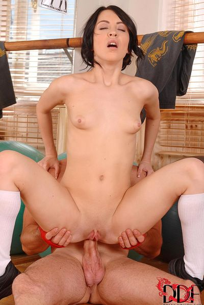 Sandra Lubec into it unfathomable in her gazoo and enjoys warm dick water filling her up