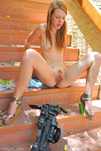 Youthful babe goes pretty unmerciful by expanding her vag in a sexy solo