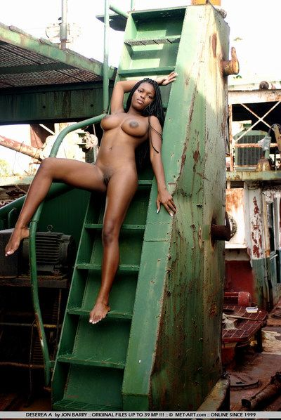 Curvy long haired african beauty Deserea A loves to demonstrate her savoury nude body