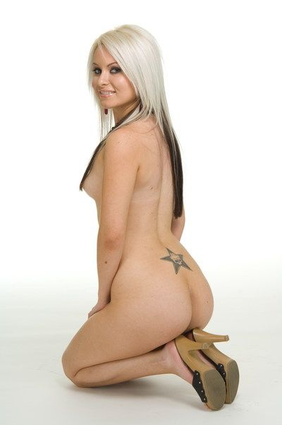 Lusty fairy youthful Barbie Addison is stripping in the enticing softcore session