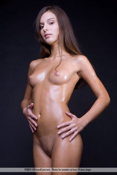 The great softcore posing with sexy juvenile Izabelle A that proudly makes known stripped boobs and pussy