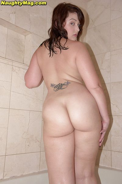 Juvenile juvenile solo girl Cali Haze baring massive butt previous to enchanting bath