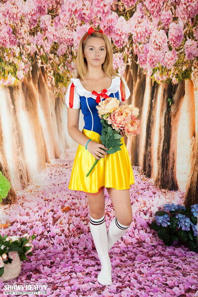 Cosplay girl Pop sheds Snow White costume to show without clothes pussy in knee socks