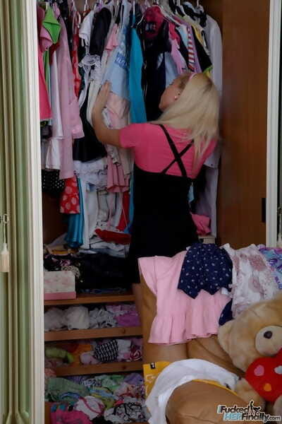 Young blonde beauty goes cum-hole to mouth with stepbrother in fascinating socks