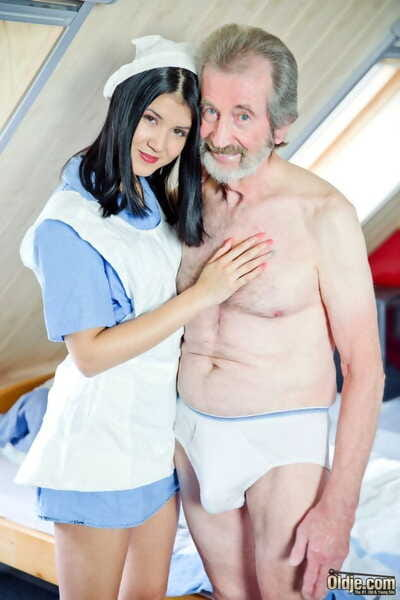 Shady haired nurse relieves her yielding of his backed up jizz problem