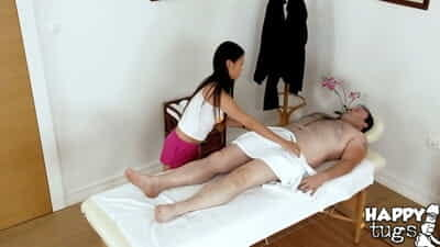Asian masseuse Pussykat is blowing her customers shaved dick