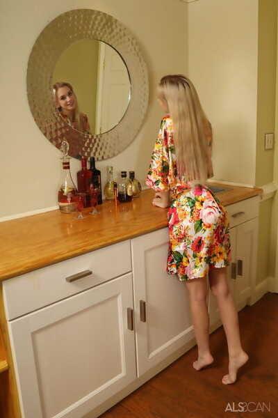 Skinny fairy teen Chanel Shortcake jocks a banana up her bald twat