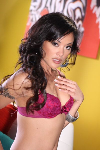 The delightsome Chinese milf Kaylani Lei knows how to pose to bring all the males to climax