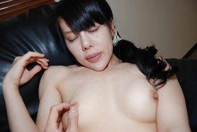 Oriental courtesan with brown hair Ruriko Furuse has her snatch bonked