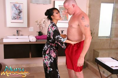 The marvelous Eastern model Asa Akira is deed fellatio knob massage in the foamed baths