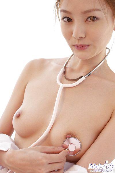 رائعة الصينية ممرضة في  راي ايتو التعري و ممتعة showerroom