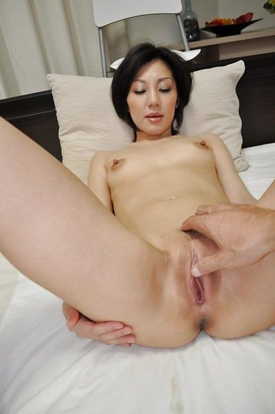 Cuddly oriental MILF Mayumi Iihara has some gentile fingering enjoyment afterwards baths