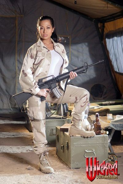 Japanese military princess Gianna Lynn losing off cloths and boasting the real moist weapon