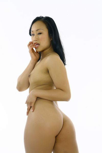 The Japanese gal Bella Ling concurred to demonstrate her spectacular insignificant body